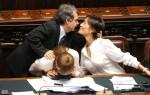 LA MINISTRA CARFAGNA? NOOOO, VABBE', E PARLA PURE!